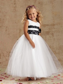 Ball Gown Scoop Tea Length White Tulle and Black Lace Flower Girl Dress