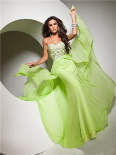 Cute Flowy Sweetheart Floor Length Lime Green Chiffon Prom Dress With Beading