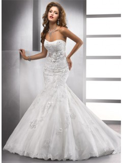 Elegant Trumpet/ Mermaid Sweetheart Beaded Lace Wedding Dress With Flowers Sash