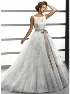 Princess Ball Gown Bateau Lace Tulle Wedding Dress With Sash Buttons