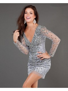 Sexy Sheath V Neck Short/Mini Grey Beaded Tulle Cocktail Dress With Long Sleeve