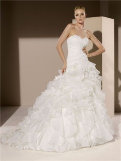 Ball gown wedding dresses for Simple wedding dresses for small wedding