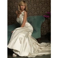 Fashion Mermaid One Shoulder Ivory Satin Wedding Dress With Ruching