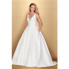 Simple Ball Gown V Neck Sleeveless Taffeta Ruched Wedding Dress With Pockets