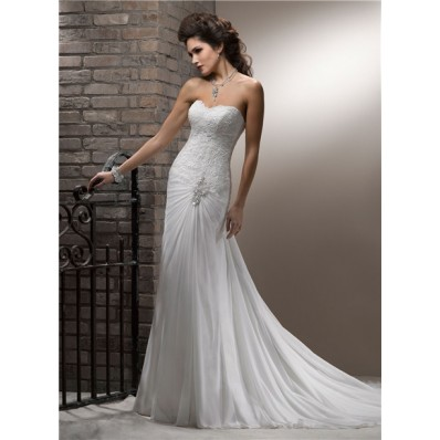 A Line Sweetheart Scalloped Neckline Lace Chiffon Wedding Dress With Crystal