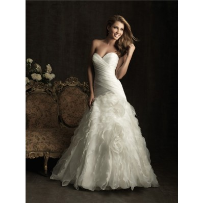 Fitted A Line Sweetheart Layer Organza Ruffle Wedding Dress With Train
