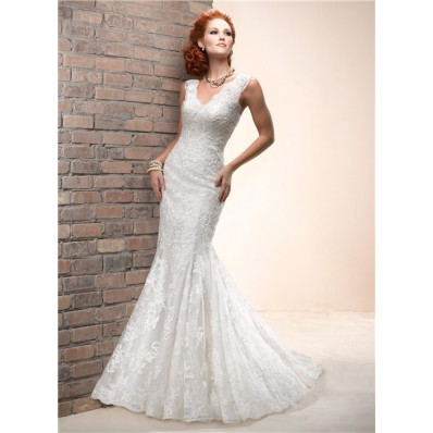 Fitted Mermaid Scalloped V Neck Sleeveless Lace Wedding Dress With Buttons