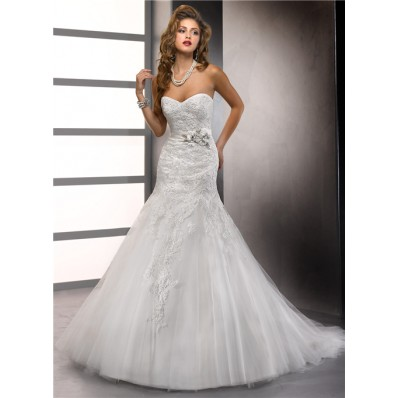 Trumpet/ Mermaid Sweetheart Tulle Lace Wedding Dress With Beaded Flowers Sash