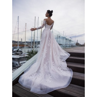 Elegant Lace Long Sleeve Wedding Dress Open Back With Train