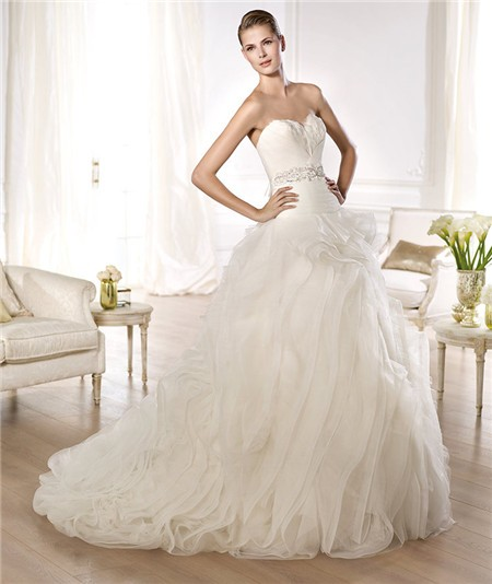 Wedding Ball Gowns Sweetheart Neckline: Ball Gown Sweetheart Feather Neckline Low Back Tulle