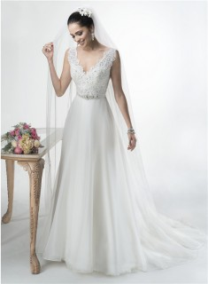 A Line Scalloped V Neck Open Back Lace Organza Wedding Dress With Crystals Sash