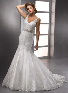 Glamorous Trumpet/ Mermaid Straps V neck Beaded Lace Wedding Dress With Crystals Belt