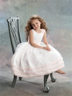 Ball Gown Scoop Tea Length White Tulle Flower Girl Dress with Flowers