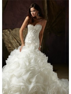 Ball Gown Sweetheart Lace Beaded Organza Ruffle Wedding Dress With Pearls