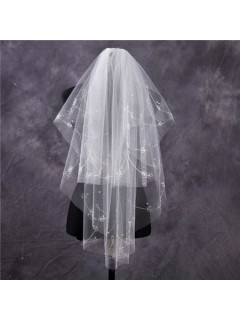 Elegant Tulle Embroidery Fingertip Length Wedding Bridal Veil With Pearls