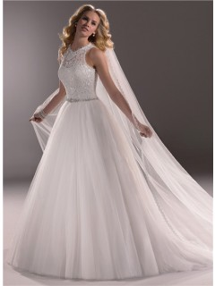 Modern Ball Gown Scoop Neck Lace Tulle Wedding Dress With Crystals Buttons