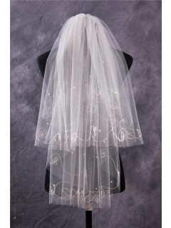 Vintage Two Tiers Tulle Embroidery Fingertip Length Wedding Bridal Veil With Pearls