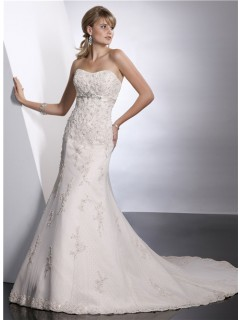 Modern Trumpet/ Mermaid Sweetheart Empire Chapel Train Lace Wedding Dress With Beaded Crystal Sash