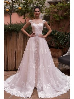 Stunning Vintage Lace Wedding Dress Illusion Neckline