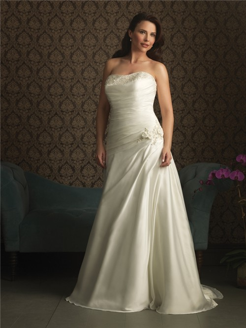 Trumpet/ Mermaid strapless court train wedding dresses for plus size brides