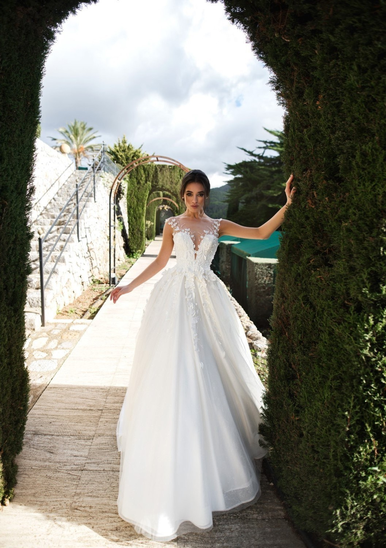 Fairy Princess Wedding Dress Illusion Neckline Tulle With Flowers Beads
