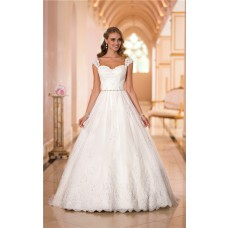 Classic Ball Gown Sweetheart Open Back Lace Beaded Wedding Dress With Straps