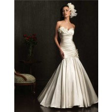 Flattering Mermaid Sweetheart Ivory Ruched Satin Wedding Dress With Flowers