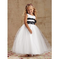 Puffy Ball Gown Scoop Neck White Tulle Black Lace Little Flower Girl Dress With Sash