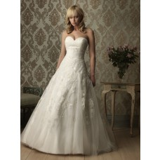 Romantic A Line Sweetheart Tulle Lace Wedding Dress With Flowers Sash Buttons